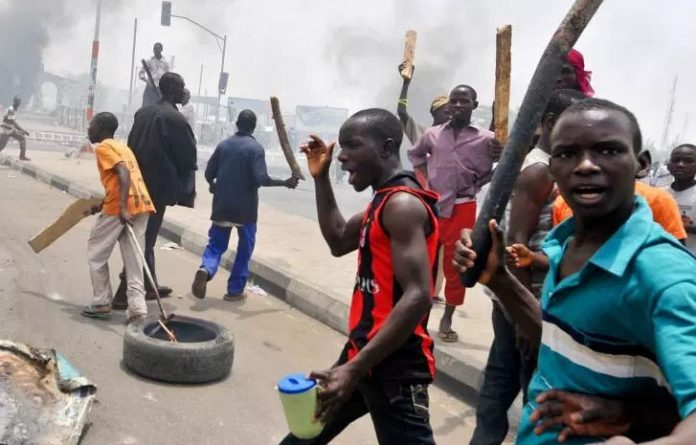 political violence - Just In: Hoodlums Clash In Fadeyi, Lagos