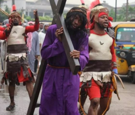 5cbd8fa7b45c6 - Two Security Officers Lynched After They Allegedly Killed Six During Easter Procession