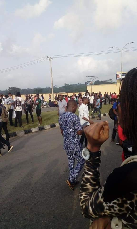 B5BF631E FAE1 40FC 8C3F EDD77E96DDD9 - Students Of OSUSTECH Protest Over Increase In School Fees