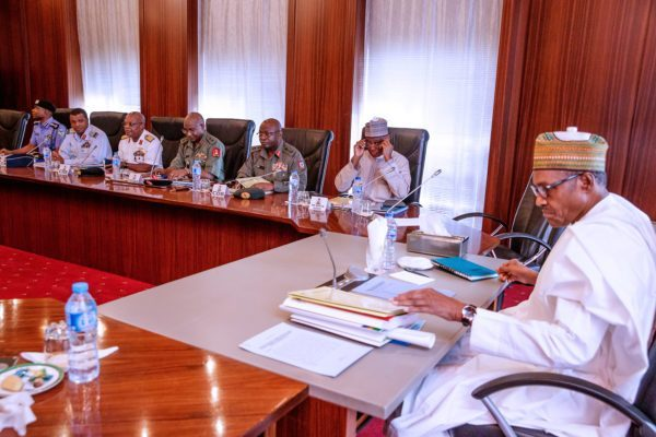 D2yttkPVYAE9oA9 - President Muhammadu Buhari, Security Chiefs Meet In Aso Rock