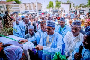 D5Eb73uWsAAHNej 300x200 - BREAKING: NDDC Invites Buhari To Inaugurate Project