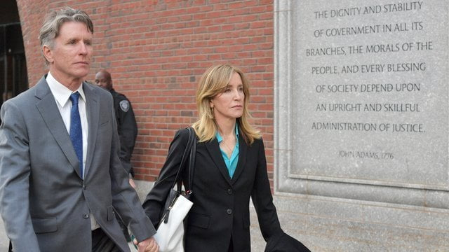 Felicity Huffman - Felicity Huffman To Plead Guilty In Charges Against Her