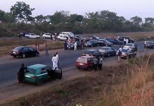 Kaduna Abuja highway block - Bandits Block Kaduna-Abuja Highway, Kidnap UBEC Chairman, Others