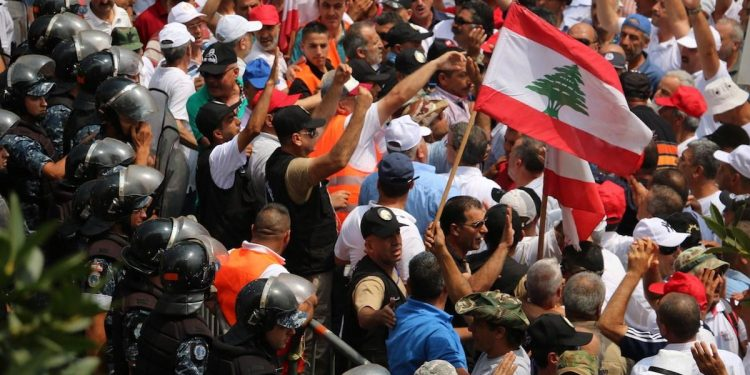 """Protests in Lebanon as cabinet set to discuss austerity budget 750x375 - Retired Lebanese Security Personnels Block Roads In Protest As Cabinet Ventures To Discuss 'Austerity Budget"""""""