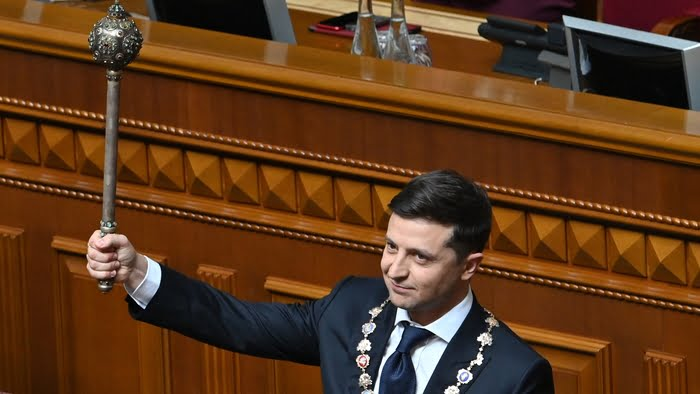 0012159a 700 - Comedian Zelensky Officially Inaugurated As Ukrainian President (Pictures)
