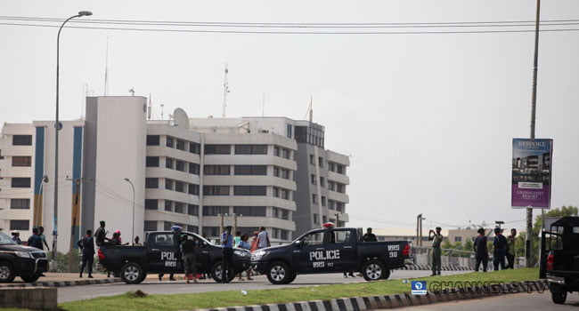 12 5 1 - Just In: Security Operatives Barricade Abuja Appeal Court Premises (Photos)