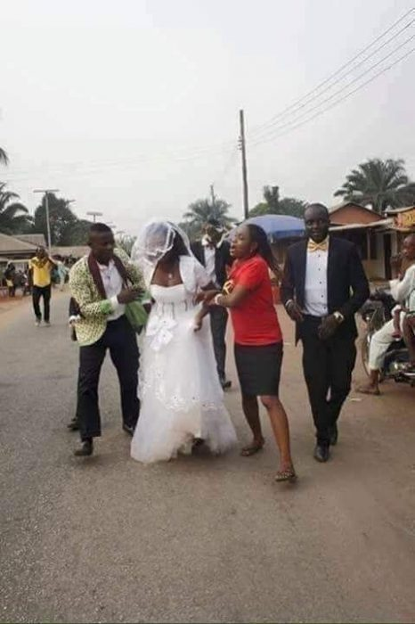 Bride runs 3 - Photos: Bride Runs Away From Wedding Ceremony After Discovering The Groom Lied To Her
