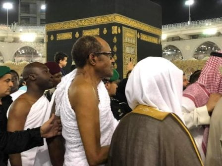 Nigerians React As Buhari Shows Running Skill In Mecca