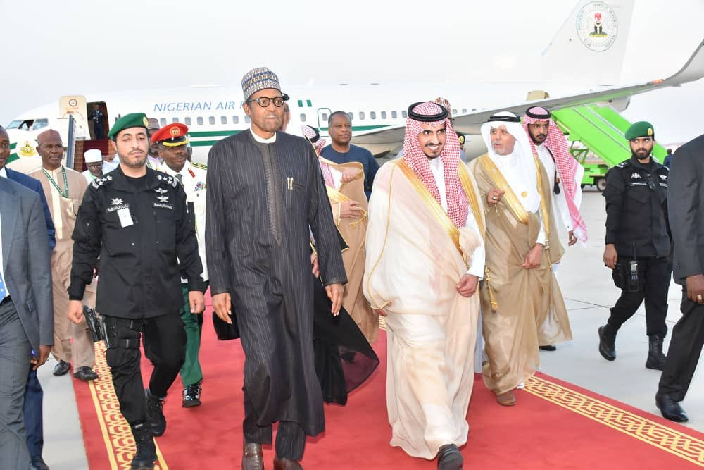 D71w5utXsAA5cvW - Buhari Arrives Saudi Arabia For OIC Summit (Photos)