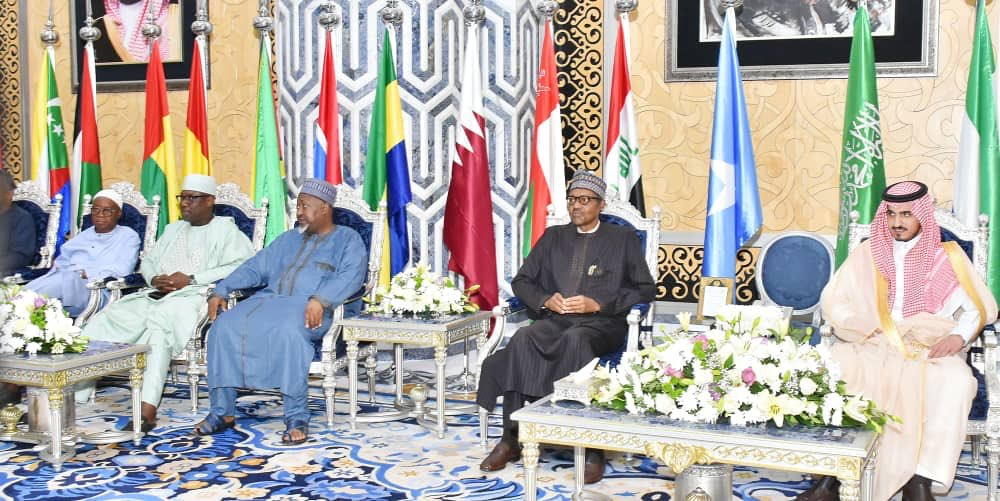 D71w5uwX4AAlBfM - Buhari Arrives Saudi Arabia For OIC Summit (Photos)