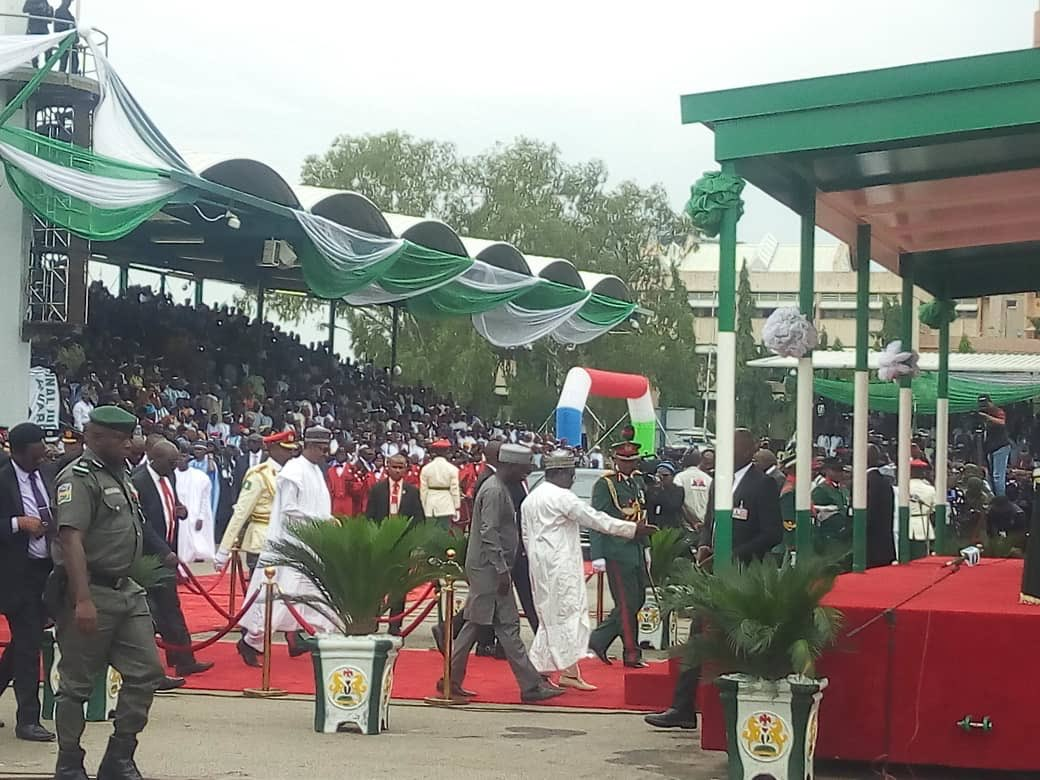 D7ua1yQW0AA8Dvr - Live Updates From Buhari, 29 Governors Swearing In (Photos)