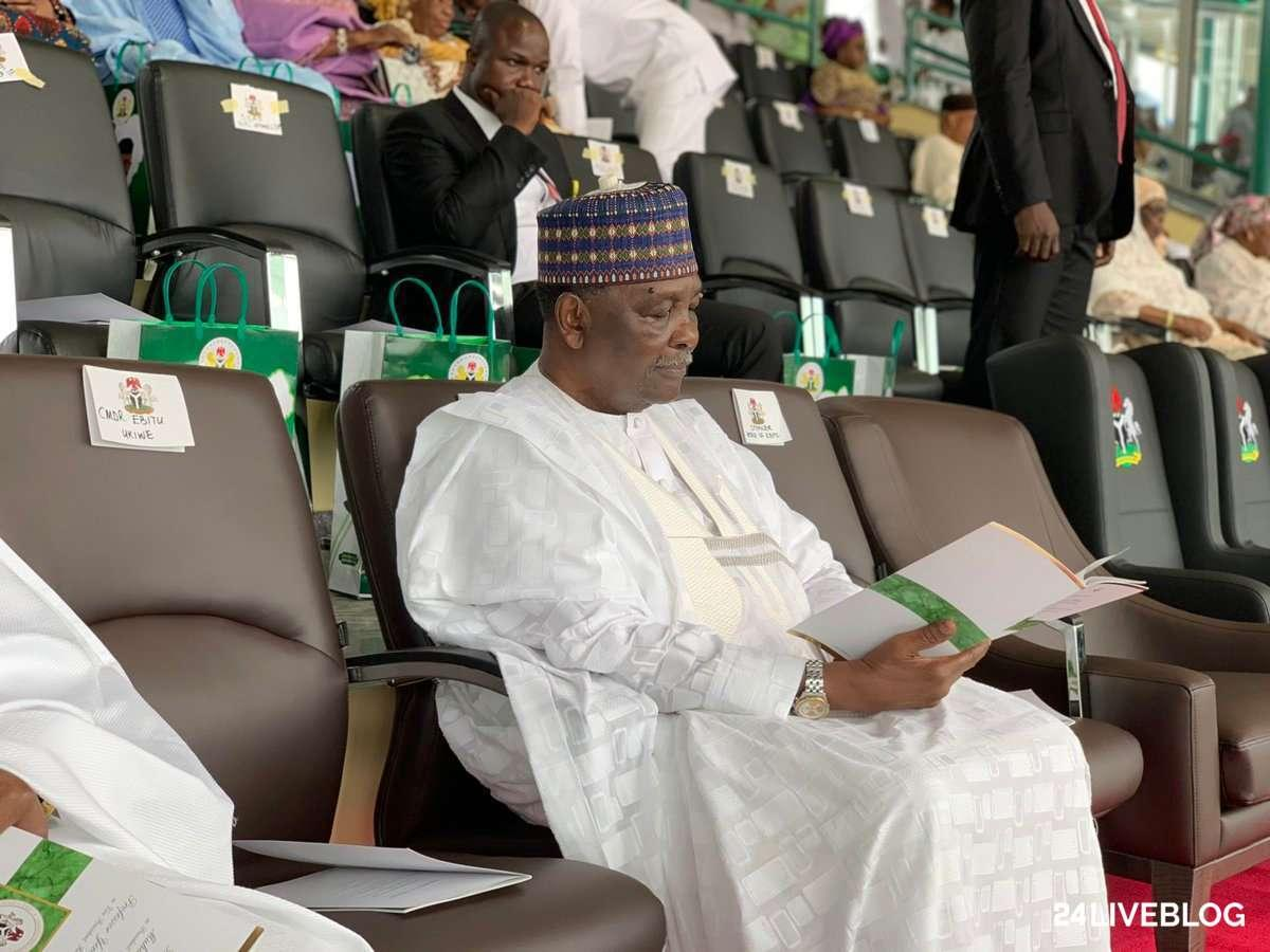 D7ueahZW0AAZhNi - Live Updates From Buhari, 29 Governors Swearing In (Photos)