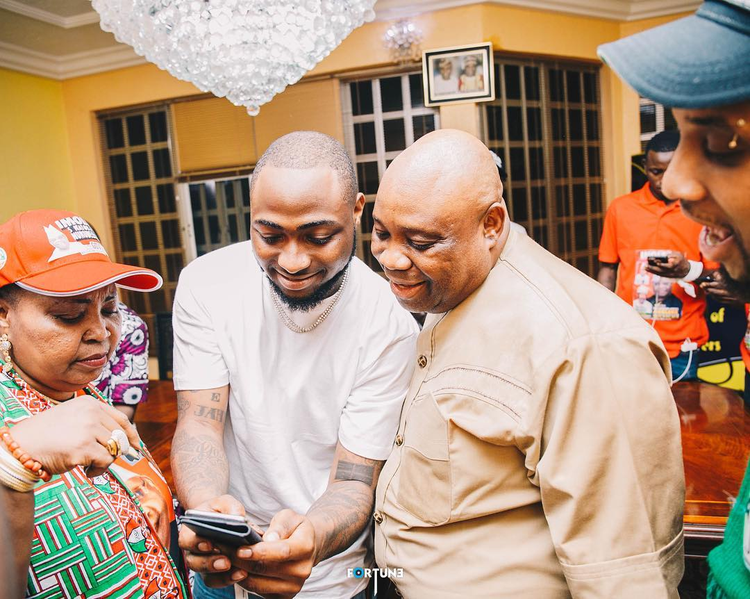 Davido Loses Cool Over Adeleke's Arrest, Threatens Gov. Oyetola (Video)