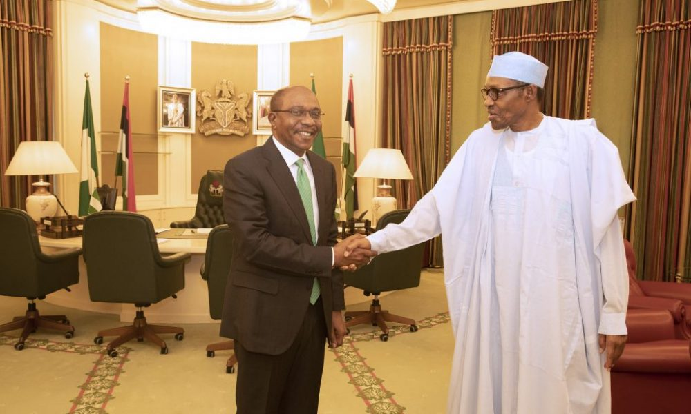 PRESIDENT BUHARI CONGRATULATES THE CBN GOVERNOR EMEFIELE 1 1024x690 1000x600 - Photo: The Moment Buhari Congratulated Emefiele On His Re-appointment
