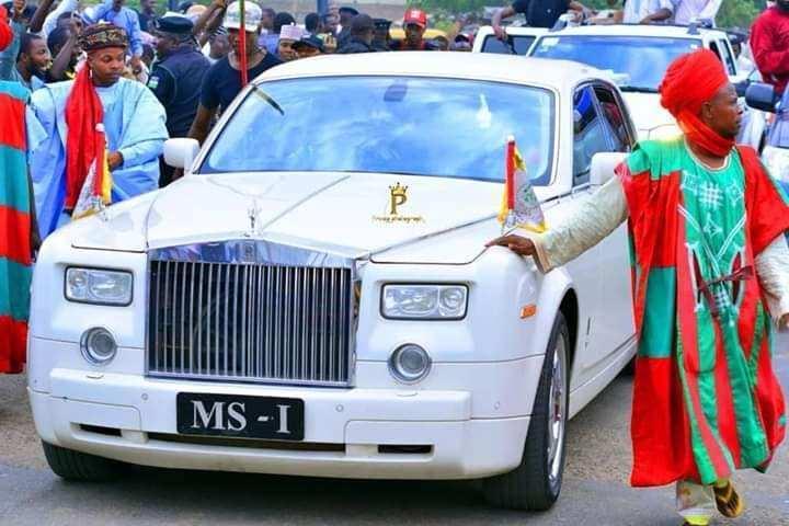 VIDEO  Kano Stands Still As Emir Sanusi Returns From Saudi Arabia - Emir Sanusi Returns To Kano From Saudi Arabia (Video)