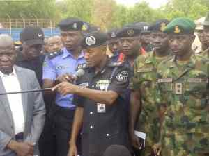 WhatsApp Image 2019 05 21 at 12.37.03 PM 1 - Police Parades Fifteen Bandits In Sokoto State