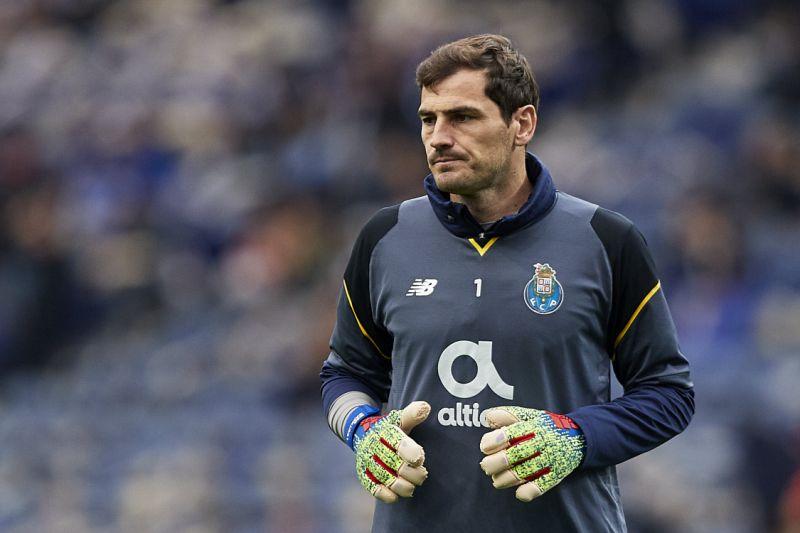 casillas - Porto Goalkeeper Casillas Suffers Heart Attack
