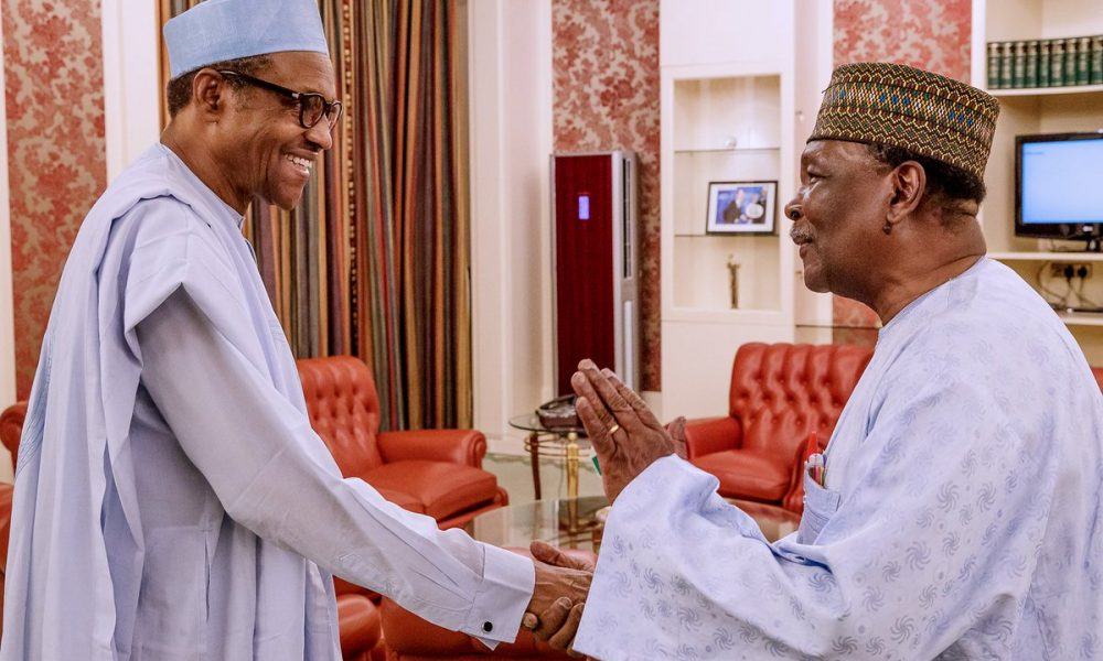 gown 1000x600 - Buhari Meets Former Head of State Gowon (Photos)