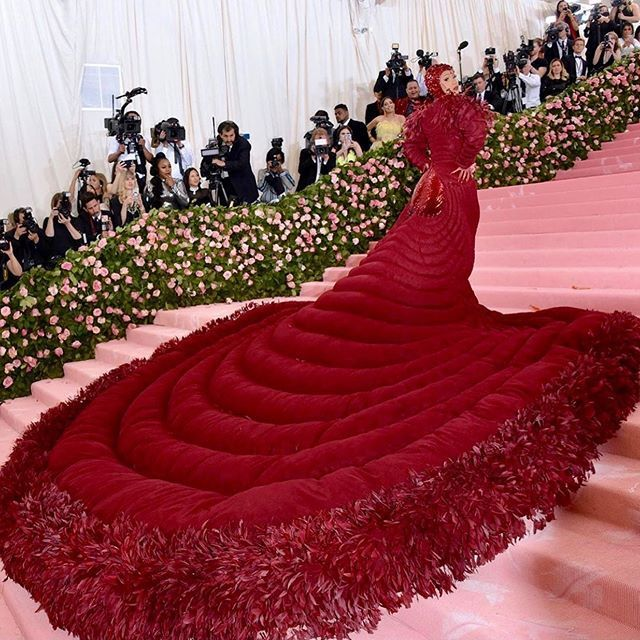 kuku - Met Gala 2019: From 4 Outfits Of Lady Gaga To The Kardashians As Stars Sizzle On The Red Carpet (Photos)