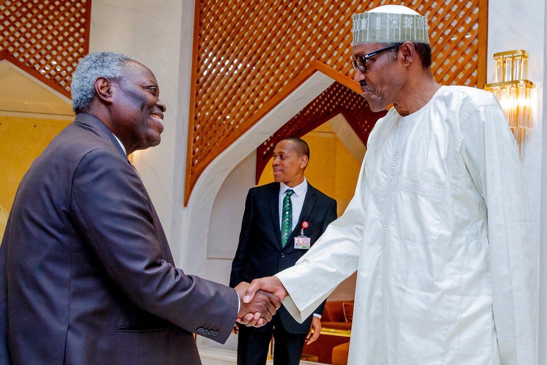 Nigerians React As Pastor Kumuyi Tells Christians Not To Attack Buhari