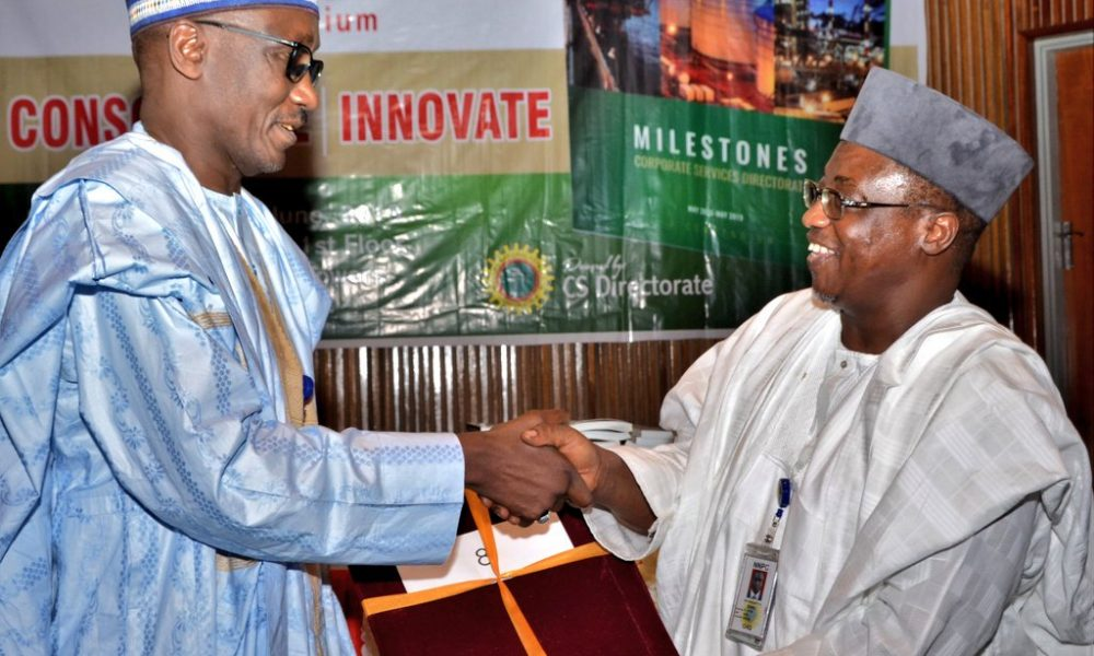 D 7tE99WsAEcljw 1000x600 - New NNPC Boss, Mele Kyari Officially Takes Over From Baru As 19th Group MD Of NNPC