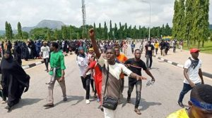 Shiites 300x168 - Shiites Vow To Continue Processions Despite Threats By Security Operatives
