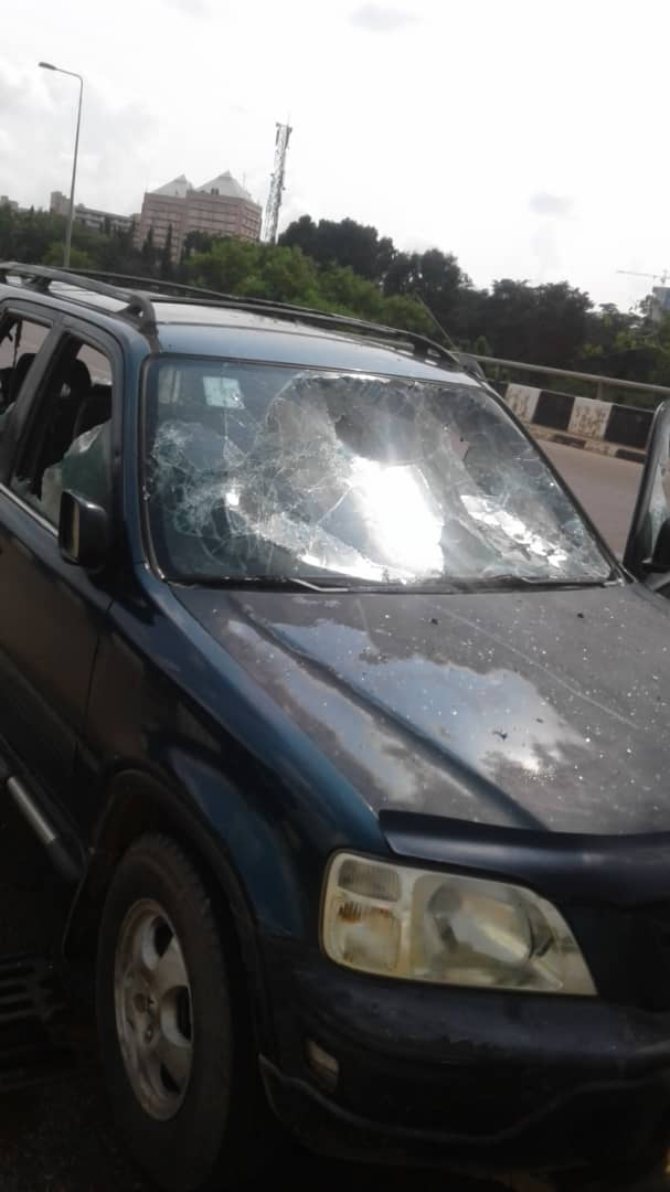 Shiites attack NASS4 - How Shi'ites Stormed National Assembly, Destroy Cars, Offices