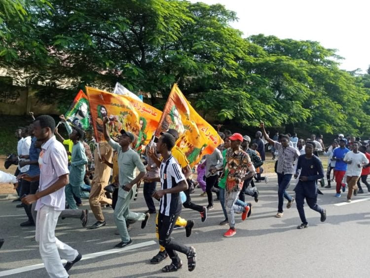 2ff28551 a8e8 41be bf86 f5b1a38aba39 1 750x563 - Breaking: Shiites Hold Procession In Abuja Despite Police Order (Pictures)