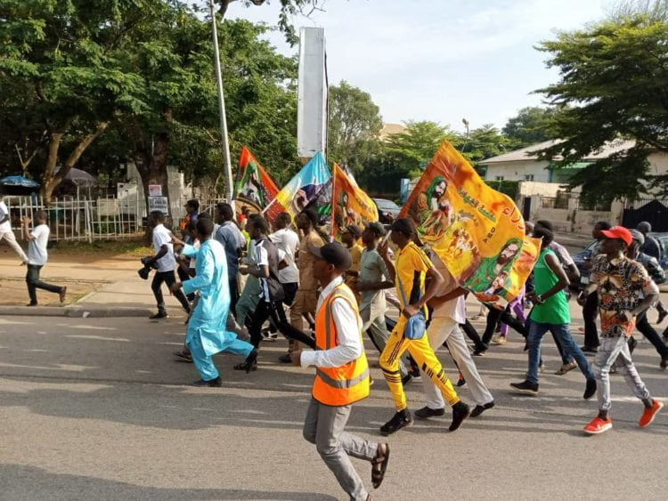 40af836c 0256 4f2c a7c7 1259dc2d64b8 750x563 - Breaking: Shiites Hold Procession In Abuja Despite Police Order (Pictures)