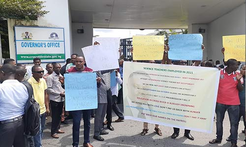 7MkVHONl - Over 500 Civil Servants Cry Out Over Unpaid Salaries In Cross Rivers