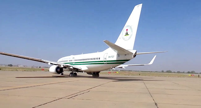 Presidential Aircraft Plane - Just In: Buhari Departs Daura For Kaduna After 5-day Visit (Photos)