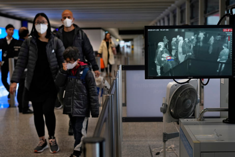 A scanner has been installed at Hong Kong Airport to monitor the passengers body temperature. - Virus In China: Death Toll Rises To 80, Foreigners Await Evacuation