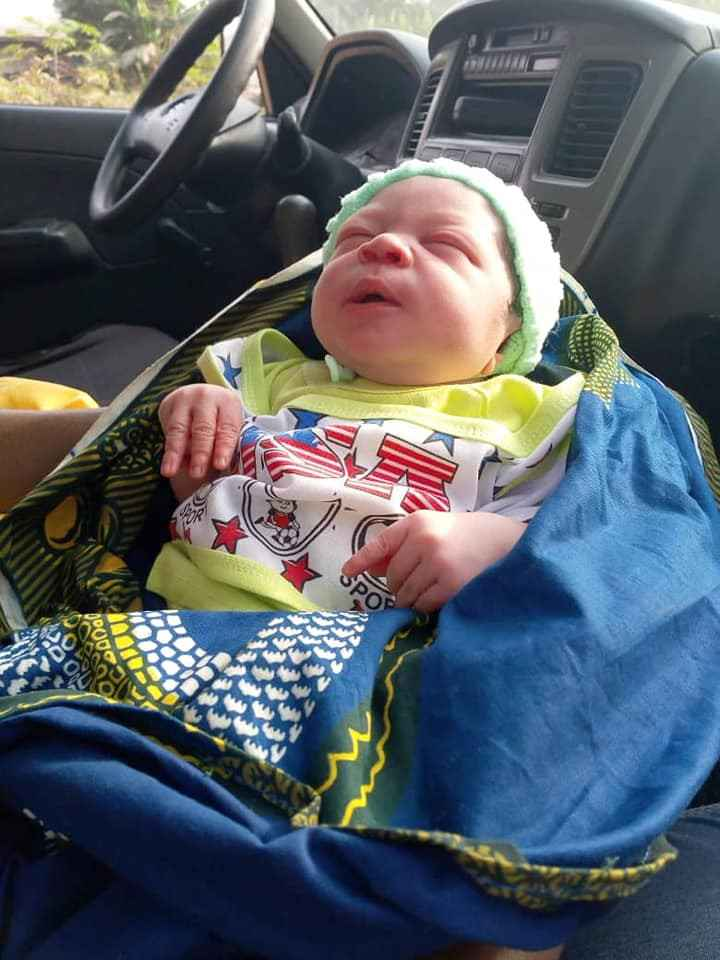 mental3 - Photos: Mad Woman Delivers Baby In Anambra