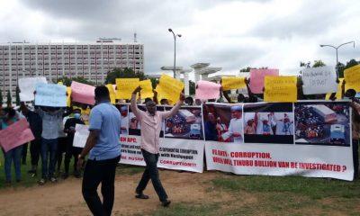 Bullion Van: Angry Nigerians Storm Abuja Street, Demand Bola Tinubu's Arrest (Photos)