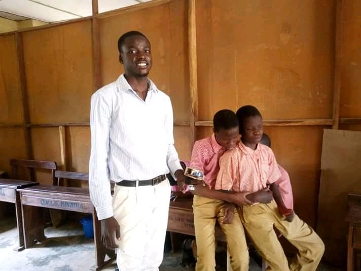 Seyi Ojelabi With Some Visually impaired Student