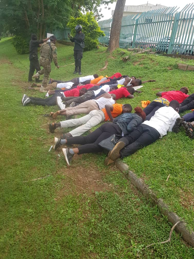 97b19273 4fed 4388 973c e0b9c91bf7ed 1 - #RevolutionNow: Amnesty Int'l, Yesufu, Sowore Condemns Clampdown on Protesters (Photos)