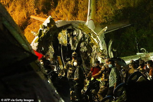 Aircraft Crash 4 - 16 Dead, 123 Severely Injured As Flight Carrying Stranded Citizens Crash-lands At Calicut Airport (Photos)