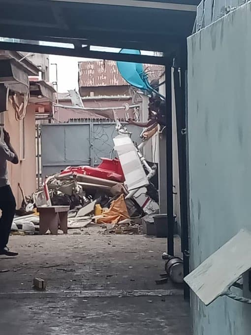 VIDEO: Pilot of Helicopter That Crashed In Lagos In Body Bag Few Hours Before Flight