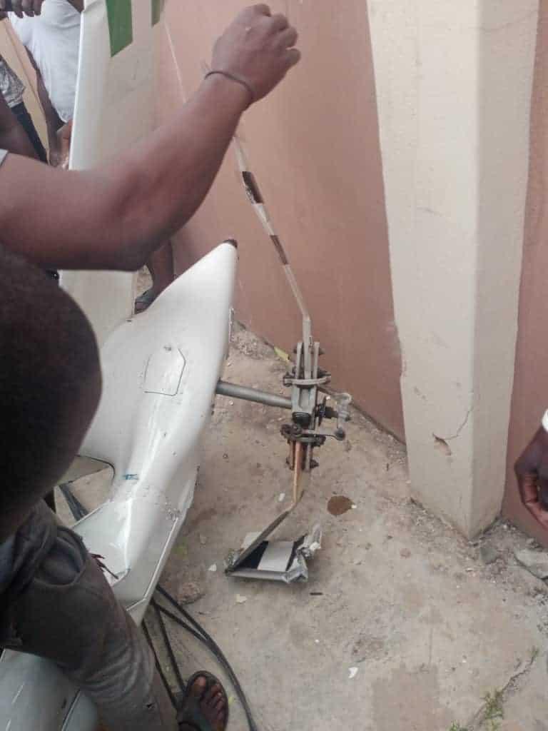EggfrCCUMAMBmor - Two Confirmed Dead As Helicopter Crashes Into Lagos Residential Building (Photos)