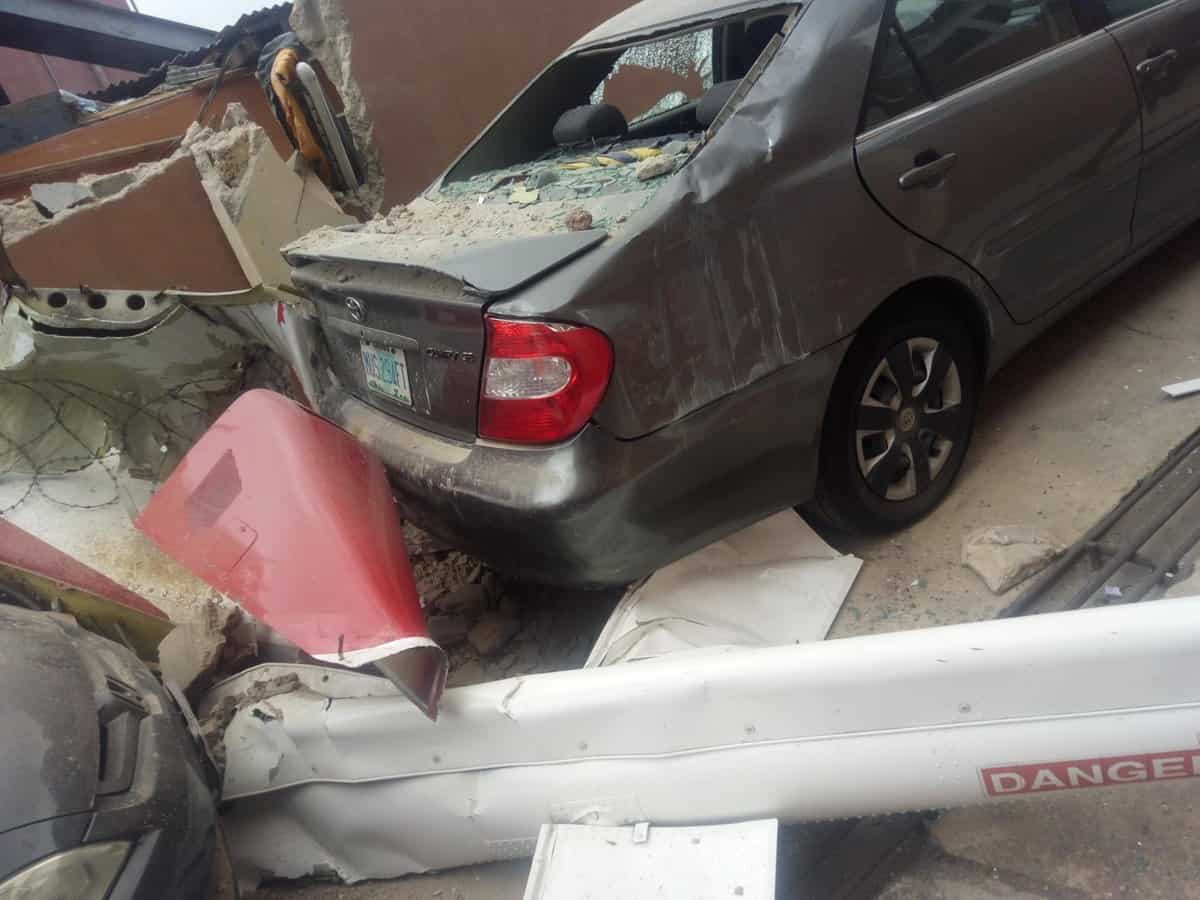 EggfrJVU8AAGmvk - Two Confirmed Dead As Helicopter Crashes Into Lagos Residential Building (Photos)