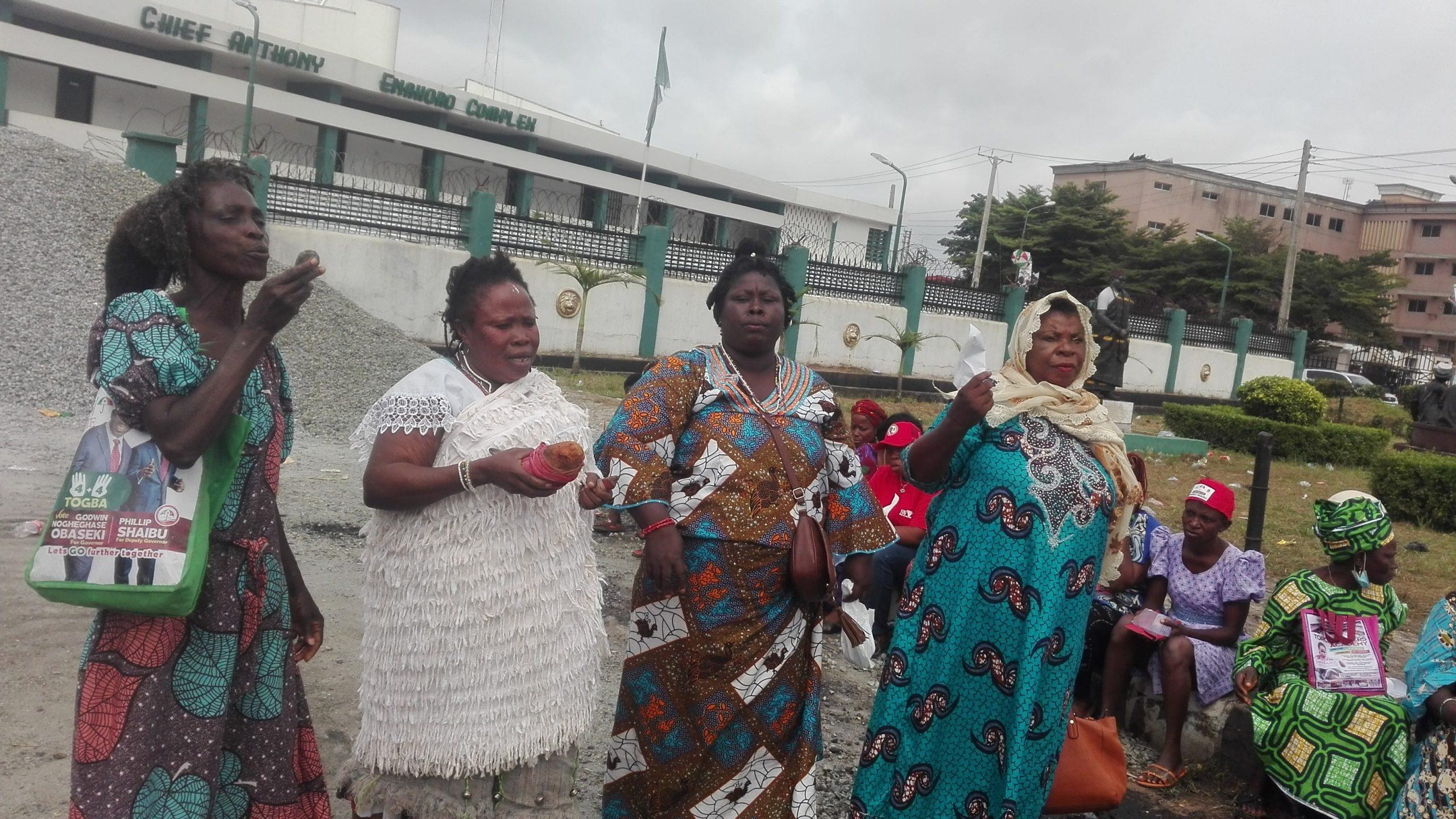 Edo Assembly: Benin Priestesses Lay Curses On Oshiomhole, Ize-Iyamu
