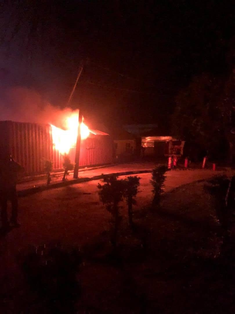 EhlFG6GXgAAcGeE - Fire Destroys Property At INEC Office In Ondo State (Photos)