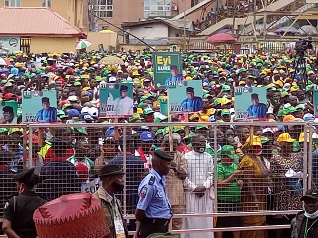 Ehth PaWsAA4HeL - Social Distancing Ignored As Massive Crowd Storm PDP Governorship Rally In Ondo