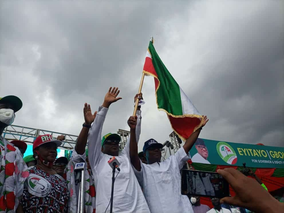 EhuTztVWsAALMSg - Social Distancing Ignored As Massive Crowd Storm PDP Governorship Rally In Ondo