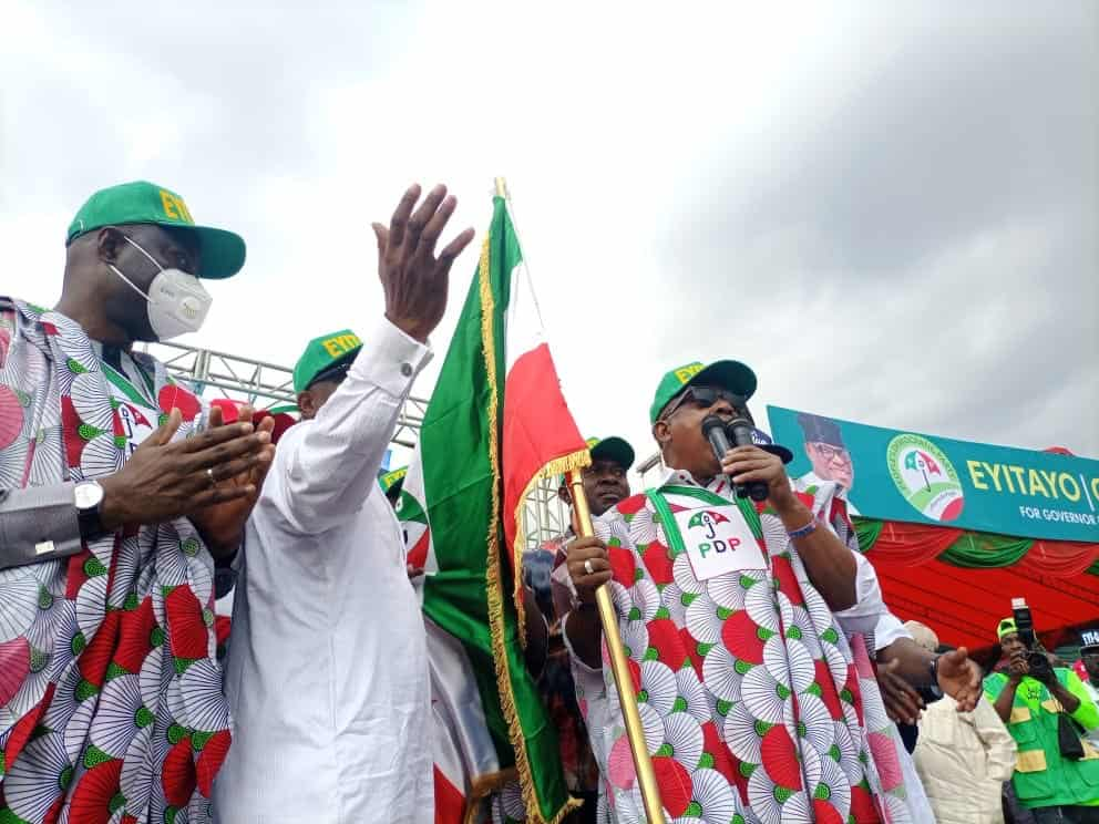 EhuTztXXkAA1iW5 - Social Distancing Ignored As Massive Crowd Storm PDP Governorship Rally In Ondo