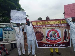Traditional Worshipers 300x225 - Traditional Worshipers In Oyo Demands 5 Public Holidays, Protests Against Marginalization