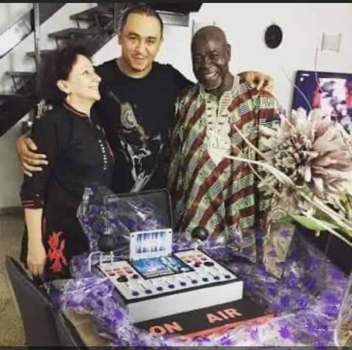daddy freeze mum and dad - Daddy Freeze Responds To Pastor Ibiyeomie's 'Bastard' Challenge By Sharing Photos Of His Dad And Mum