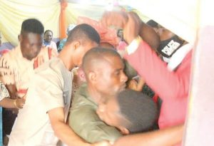 wedding disrupted 300x205 - Lagos: Drama As Man, Family Disrupt Church Wedding, Say Bride Already Married