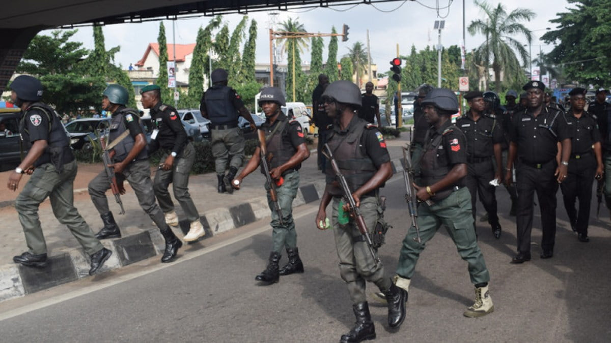 Cop Kills Man As Mob Attempts To Burn Police Station In Lagos