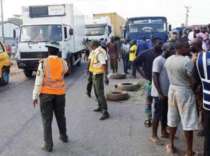 truck crush tipper driver 300x223 - Truck Falls Sideways, Causes Major Gridlock In Owode, Mile 12